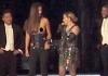 Мадонна раздела фанатку на сцене