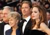 После развода с Анджелиной Джоли Брэд Питт плачет и постоянно звонит маме