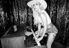 Леди Гага будет петь в барах